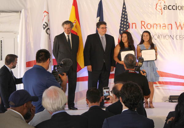 L-R Chairman and CEO of ACCIONA José Manuel Entrecanales, Secretary of State Rolando Pablos, $5,000 scholarship recipient Maria Garcia of Los Fresnos, and $5,000 scholarship recipient Hannah Pinkerton of Point Isabel .
