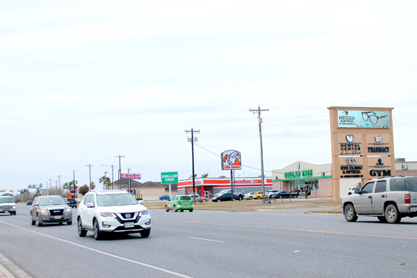 Los Fresnos business district helps the local economy. Photo: Tony Vindell/LFN
