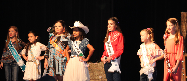 Petite Cowgirls contestants.
