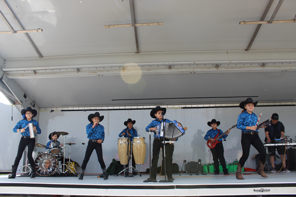 A conjunto band from Brownsville's Canales Elementary School entertaining the crowds. Photos: Tony Vindell/LFN